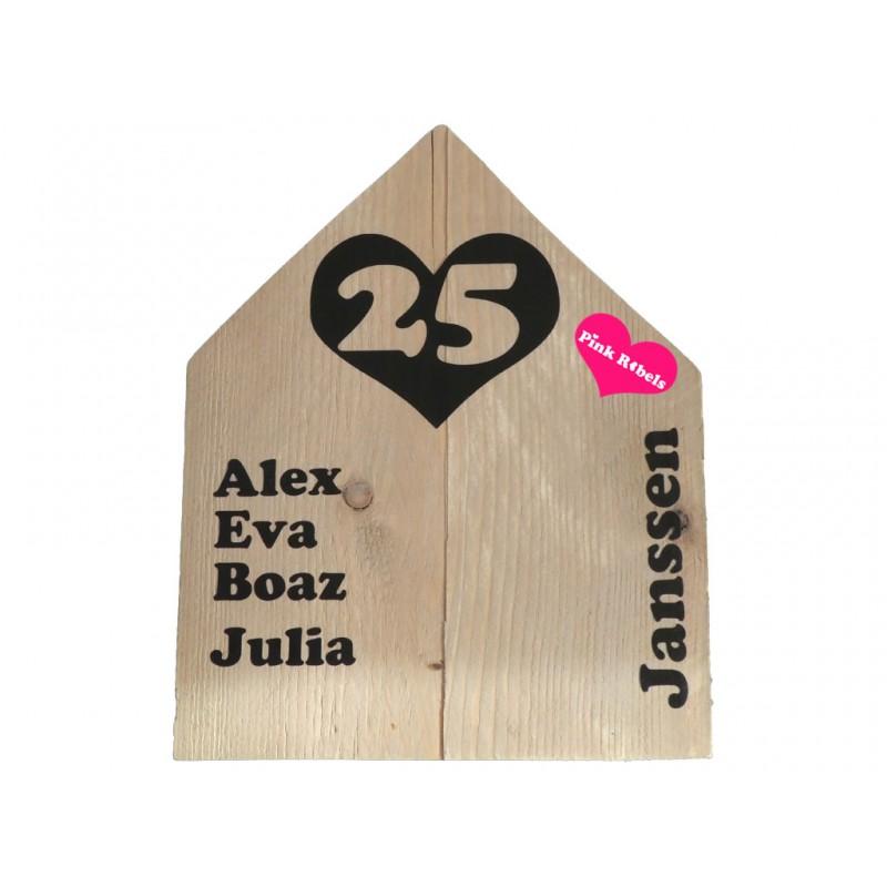 Handgemaakt naambord van steigerhout type Huis met hart